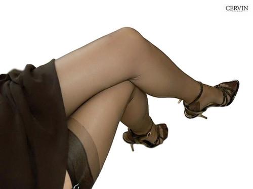 Cervin Capri 15 Denier 100% Nylon Black Stockings