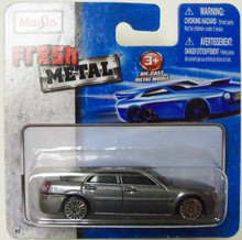 Maisto Fresh Metal Die-Cast Vehicles ~ 2005 Chrysler 300C Hemi (Metallic Gray)