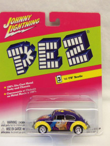 Johnny Lightning PEZ '66 VW Beetle