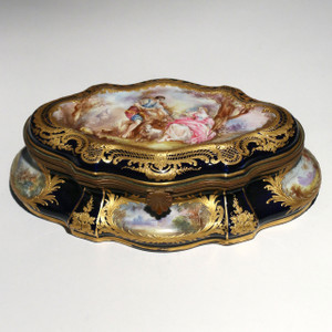 A Fine Bronze-Mounted Paris Porcelain Jewelry Box