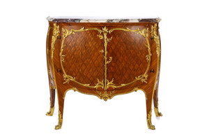 A Fine Quality French Gilt Bronze-Mounted Marble Top Diamond-Shaped Parquetry Veneers Commode Attribute to François Linke