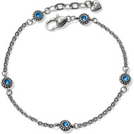 Twinkle, twinkle, you're the star! This sweet ankle bracelet adds a wee bit of sparkle to your look.