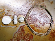 Treska Vintage Finds Light Natural Linked Bead Short Pendant Necklace on Leather (VF23067)