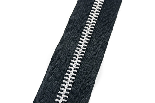 #10MAM YKK® Aluminum Tooth Zipper Chain, Black (91100ABK)