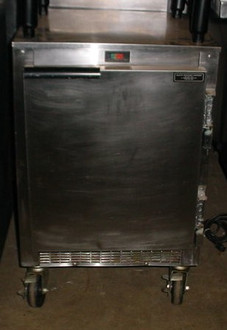 BEVERAGE AIR SMALL U/C COOLER