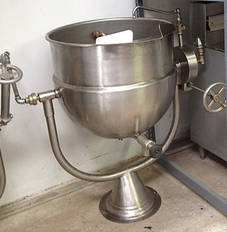 "Used-Tilting Kettle, needs remote steam source, 40 gallon capacity, 2/3 steam jacket design, pedestal base, all stainless steel exterior finish, with faucet, gas, 45""W x 46""H x 32""D"