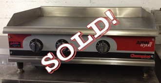 "used-Apw Griddle, natural gas, countertop, 36"" W x 25"" D x 16""H (O.A.), 1"" thick smooth polished steel griddle plate, snap-action thermostat, stainless steel front, balance aluminized steel, 4"" adjustable legs, 75,000 BTU"