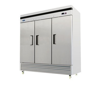 B-Series Reach-In Refrigerator, three-section, self-contained refrigeration, 71.0 cu. ft. capacity, 33?ø to 45?øF temperature range, (3) locking hinged self-closing doors, (9) adjustable shelves, ventilated refrigeration, interior lighting, automatic evaporation, digital temperature control, air defrost, stainless steel interior & exterior, galvanized steel back, bottom mounted refrigeration, 650 watts, 115v/60/1-ph, 7.6 amps, 1/2 HP, cETLus, ETL, CE, ENERGY STAR??