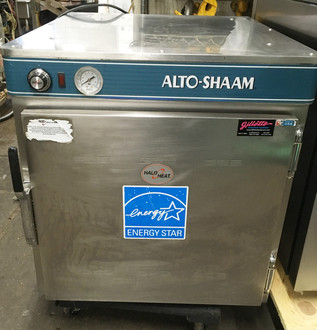 "ALTO-SHAAM MODEL 750-S Halo Heat® Low Temp Holding Cabinet, on/off simple controller with adjustable thermostat, indicator light, capacity (10) 12"" x 20"" pans, (2) chrome plated side racks, (2) wire shelves, stainless steel exterior, 2-1/2"" casters; 2 rigid, 2 swivel with brakes, cULus, UL EPH ANSI/NSF 4, CE, IP X3, TUV-NORD, EAC, N11942, NBm."