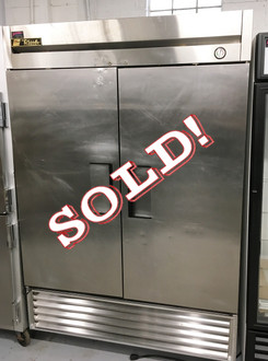 """TRUE T-49F Freezer, Reach-in, -10?ø F, two-section, stainless steel doors, stainless steel front, aluminum sides, aluminum interior with stainless steel floor, (6) adjustable PVC-coated wire shelves, interior lighting, 4"""" castors,  1 HP, 115v/60/1, NEMA 5-15P, MADE IN USA, cULus, UL EPH Classified, CE."""