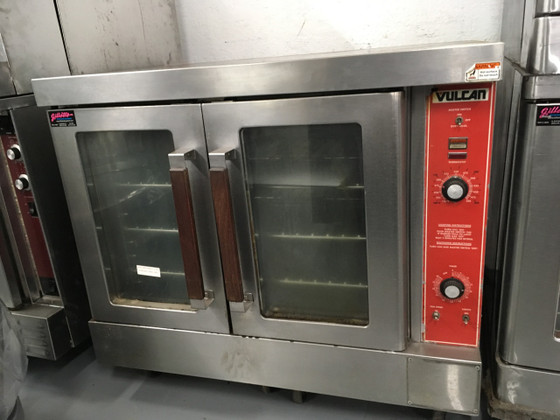 "Convection Oven, gas, single-deck, bakery depth, solid state controls, electronic spark igniter, 60 minute timer, 25-3/4"" high legs, stainless steel front, top and sides, stainless steel door with window, 50,000 BTU, NSF, CSA Star, CSA Flame, ENERGY STAR??"