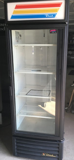 Refrigerated Merchandiser, one-section, True standard look version 01, (4) shelves, powder coated steel exterior, white interior with stainless steel floor, (1) Low-E thermal glass hinged door, LED interior lights, bottom mounted self-contained refrigeration, R290 Hydrocarbon refrigerant, 1/3 HP, 115v/60/1, 5.4 amps, NEMA 5-15P, cULus, UL EPH Classified, CE, MADE IN USA, ENERGY STAR??