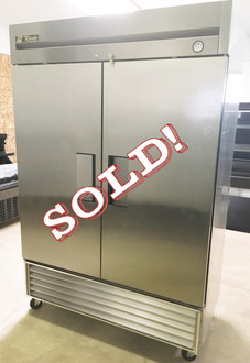 """Freezer, Reach-in, -10° F, two-section, stainless steel doors, stainless steel front, aluminum sides, aluminum interior with stainless steel floor, (6) adjustable PVC-coated wire shelves, interior lighting, 4"""" castors, R290 Hydrocarbon refrigerant, 1 HP, 115v/60/1, 9.6 amps, NEMA 5-15P, MADE IN USA, cULus, UL EPH Classified, CE, ENERGY STAR®"""
