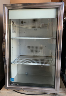 true refrigeration, true refrigerator, true glass door merchandiser, true glass door mini fridge, true small glass door merchandiser