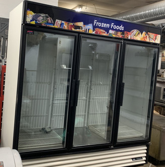 Freezer Merchandiser, three-section, True standard look version 01, -10° F, (12) shelves, powder coated steel exterior, white interior with stainless steel floor, (3) triple-pane thermal glass hinged door, LED interior lights, R290 Hydrocarbon refrigerant, 1 HP, 115/208-230v/60/1, NEMA 14-20P, 11.1 amps, cULus, UL EPH Classified, MADE IN USA, ENERGY STAR®