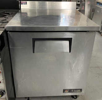 "Work Top Refrigerator, one-section, stainless steel top with rear splash, front & sides, (1) stainless steel door, (2) shelves, clear coated aluminum interior with stainless steel floor, 5"" castors, rear mount, R290 Hydrocarbon refrigerant, 1/6 HP, 115v/60/1, 2.0 amps, NEMA 5-15P, MADE IN USA"