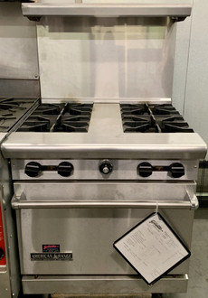 "AMERICAN RANGE AR30-4B Heavy Duty Restaurant Range, gas, 30"", (4) 32,000 BTU open burners with spreader, standard oven, (1) rack, stainless steel front, sides, 6"" adjustable chrome plated legs, 48.0 kW, 163,000 BTU, ETL-Sanitation, NSF, Made in USA. SET FOR NATURAL GAS, CAN BE CONVERTED TO LP GAS FOR ADDITIONAL FEE. NBm."