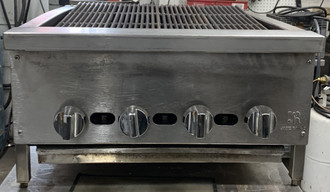 "Supreme™ Charbroiler, gas, countertop, 24"", cast iron radiants & grates, infinite manual controls, built-in grease channels, stainless steel sides, front & plate shelf, adjustable legs, 60,000 BTU, CSAus, NSF"