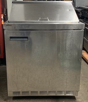"USED DELFIELD Refrigerator, single-section, 32"" W, 10.10 cubic feet, (1) door, (1) 1/1 GN shelf, stainless steel top with polyethylene cutting board & (12) 1/6 size plastic pans, stainless steel front & sides, ABS interior sides, 3"" casters, front-breathing rear-mounted refrigeration system, 1/5 hp, cUL, UL, NSF"