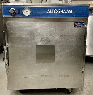 "USED Halo Heat Low Temp Holding Cabinet, on/off simple controller with adjustable thermostat, indicator light, capacity, stainless steel exterior, 2-1/2"" casters; 2 rigid, 2 swivel with brakes,  cULus, UL EPH ANSI/NSF 4. 120V."