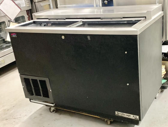 "Bottle Cooler, flat top, 50""W x 26-1/2""D x 33-3/4""H, 13.7 cu. ft., (2) sliding lids, (3) adjustable wire dividers, case capacity: 17-1/2 cases (12 oz. bottles) or 23-3/4 cases (12 oz. cans), deep well design, bottle cap opener & cap catcher, black vinyl exterior, galvanized interior with stainless steel floor, stainless steel top, self-contained refrigeration system, R290 Hydrocarbon refrigerant, 1/4 HP, cULus, UL EPH Classified, UL-Sanitation, Made in USA"