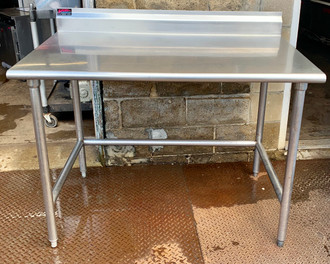 4' STAINLESS STEEL WORK TABLE