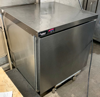 "USED Undercounter/Worktable Refrigerator, one-section, 32"" W, 8.0 cubic feet, (1) stainless steel door, (1) gray epoxy coated shelf, stainless steel top and front, aluminum sides, galvanized back and bottom, gray coated aluminum interior sides & anodized aluminum bottom, 5"" casters (2 locking, 2 non-locking), rear-mounted refrigeration system, 115v/60/1, 3.2 amps, 8' cord, NEMA 5-15P, 1/5 HP, NSF"