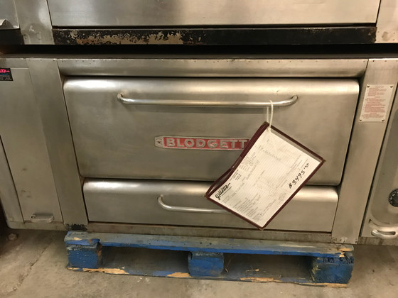 USED BLODGETT 1000R PIZZA OVEN - NATURAL GAS - 60,000/BURNER (2), 300-650 F DEGREES