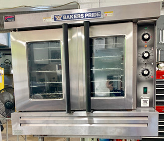 "used Cyclone Convection Oven, full-size, propane gas, single deck, rotary controls, 60 min. timer, 2-speed motor, stainless steel independent doors with double pane thermal glass, with racks, stainless steel top, front & sides, 31-3/8"" painted legs, 60,000 BTU, cULus, UL EPH Classified"