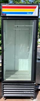 USED TRUE GDM-26 GLASS DOOR MERCHANDISER (GPS110)