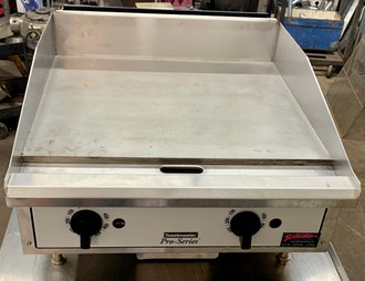 "Griddle,  countertop, natural gas, 24"" W x 21"" D cooking surface, (2) steel radiants, 3/4"" thick ultra smooth polished steel plate, (2) independent cooking zones, thermostatic controls, front grease trough & chute, side & rear splash guards, pressure regulator, 4"" nickel plated steel legs, stainless steel front panel, bullnose & removable drip tray, 40,000 BTU, cULus, UL EPH, Made in USA (units are shipped with LP conversion kit)"