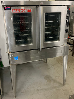 """USED Convection Oven, electric (208v/3phase), single deck, standard depth, capacity (5) 18"""" x 26"""" pans, stainless steel doors, dual pane thermal glass windows, stainless steel racks and rack positions, tubular black soft touch door handle, solid state manual controls, cooling fan, porcelain cavity, lights, full angle iron frame, stainless steel construction, 25"""" stainless steel legs, 1/2 hp blower, cETL, NSF"""