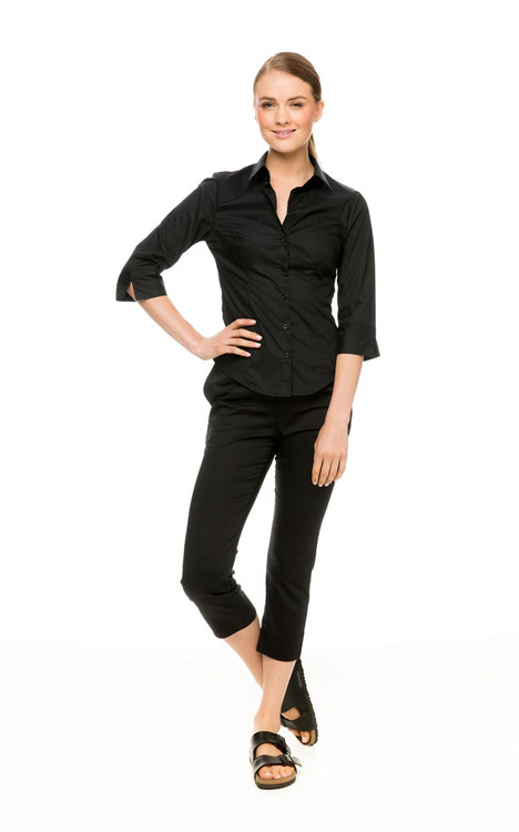 3/4 Sleeve Shirt in black, with Capri Pant in black