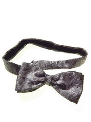 Silver grey patterned pre-tied bow tie