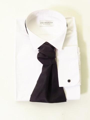 Wing collar shirt