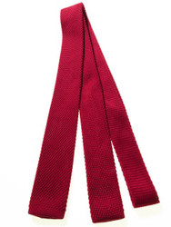 Narrow knitted tie wine red