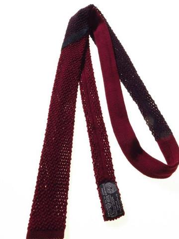 Skinny knitted tie
