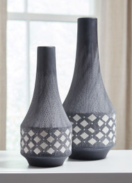 Ashley Dornitilla Black/White Vase Set