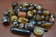 "80 Pcs Assort Brown Resin Plastic Beads 1/2"" - 1 1/4"""