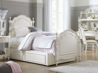 Ivy Low Poster Bed