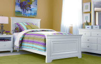 Taylor Panel Bed Full w/ White Finish  - Floor Sample