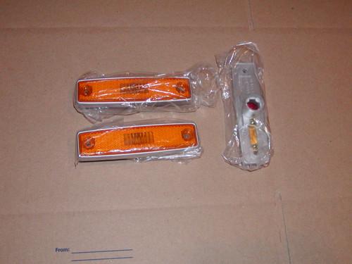 Set of 2 Amber 64-70 A100 side marker lens