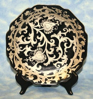 Ebony Black and Gold Lotus Scroll, Luxury Handmade Reproduction Chinese Porcelain, 8 Inch Decorative Display Plate Style 811