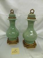 Lyvrich Fine Handmade d'oro Ormolu Elegant Porcelain - Potiche Jar, Mantel Urn - Celadon Minuscule Crackle - 15.5t X 7w X 7d