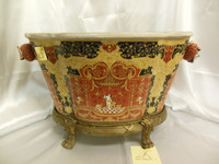 Lyvrich Fine Handcrafted d'oro Ormolu, Exquisite Porcelain Centerpiece, Flower Pot Planter, Renaissance in Red and Gold 13.5t X 22.5w X 15.75d