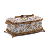 ***Lyvrich d'Elegance, Porcelain and Gilded Dior Ormolu | Crackle | Tissue Box Centerpiece | 4.73t X 11.62L X 6.34d | 6356