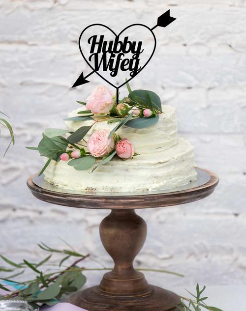 Custom Wedding Cake Topper - Names in Heart. Romantic acrylic cake wedding cake decoration.