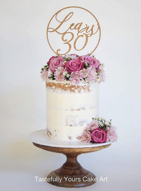 Stunning circular cake topper personalised with name and age